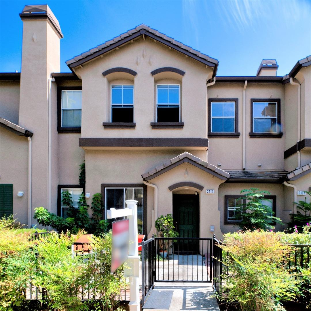 Detail Gallery Image 1 of 24 For 3111 White Riesling Pl, San Jose, CA 95135 - 3 Beds | 2/1 Baths