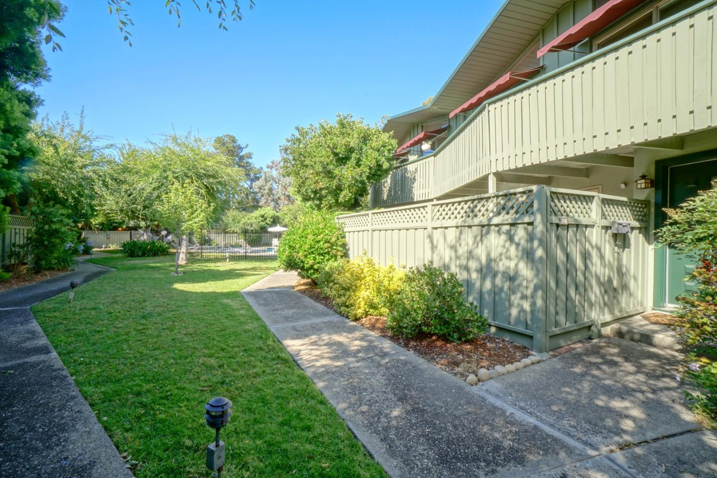 278 MONROE DR 32, MOUNTAIN VIEW, CA 94040