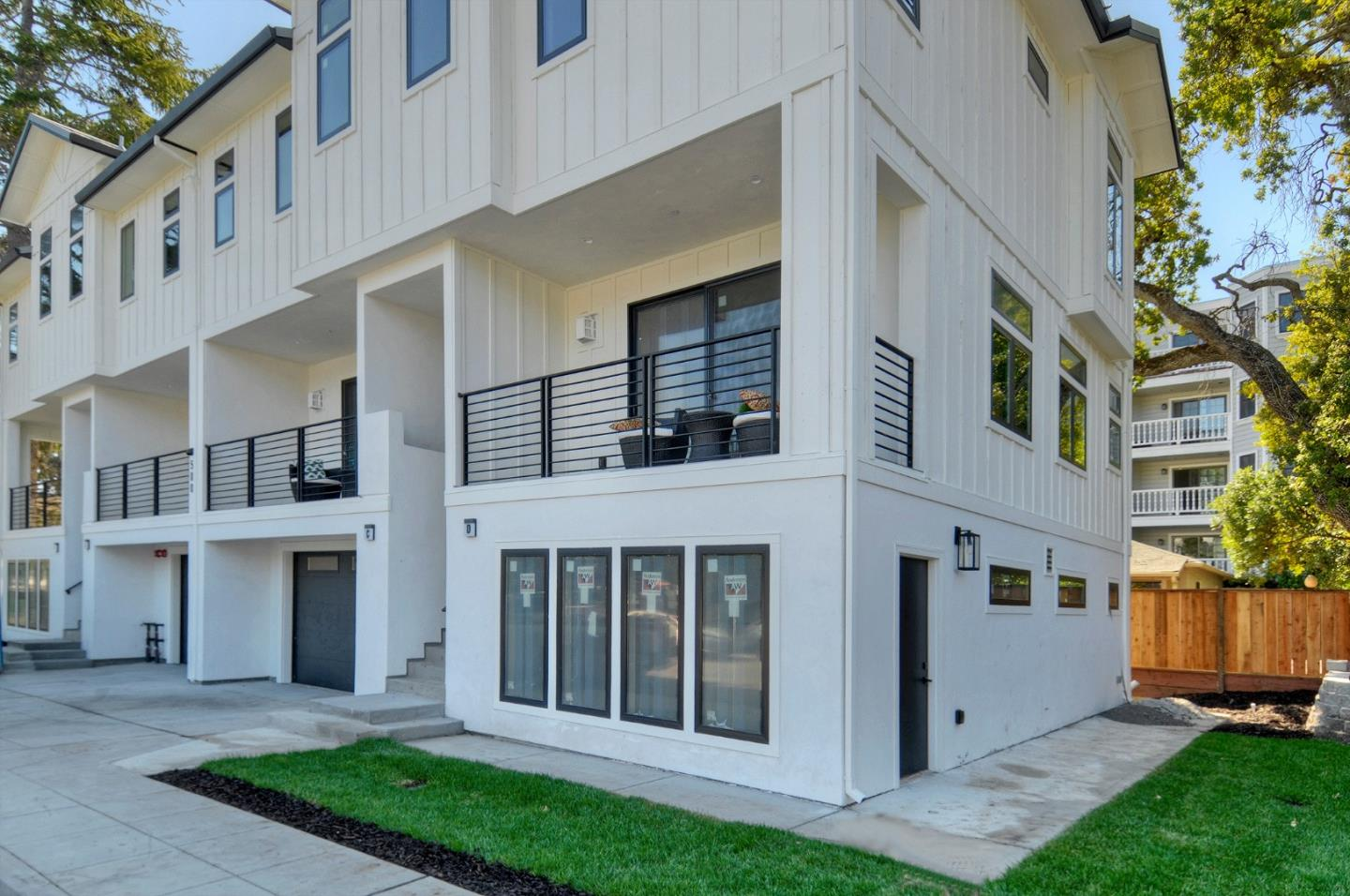 Detail Gallery Image 1 of 1 For 500 Walnut St C, San Carlos, CA 94070 - 2 Beds | 2/1 Baths