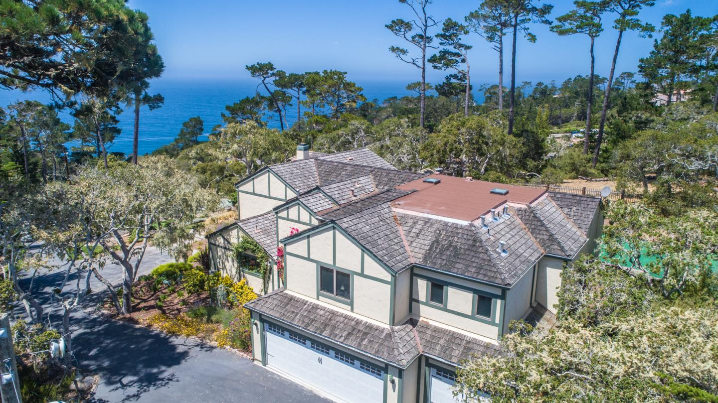 Detail Gallery Image 1 of 31 For 1277 Padre Ln, Pebble Beach, CA 93953 - 5 Beds | 4/2 Baths
