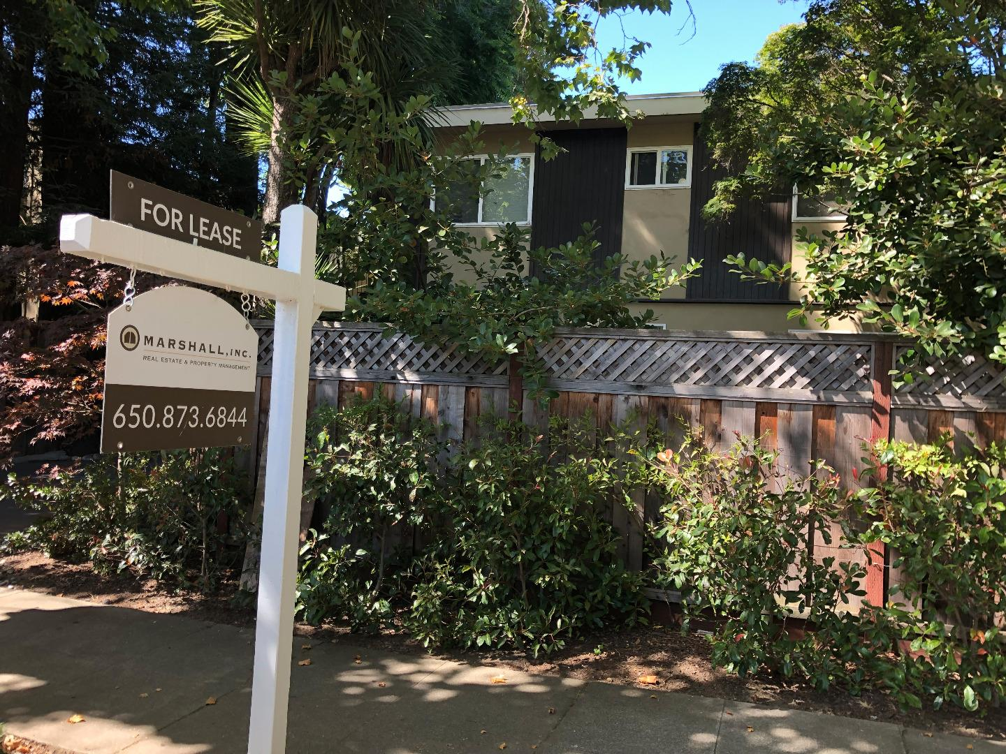 Detail Gallery Image 1 of 10 For 609 Highland #2, San Mateo, CA 94401 - 2 Beds | 1 Baths