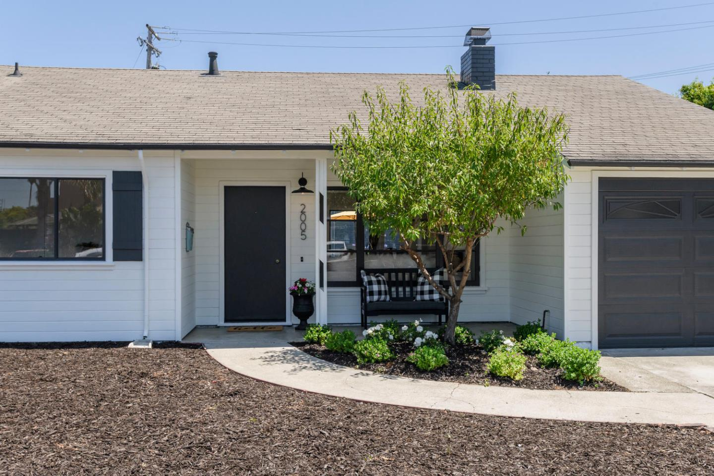 Detail Gallery Image 1 of 1 For 2005 Shoreview Ave, San Mateo,  CA 94401 - 3 Beds | 1 Baths