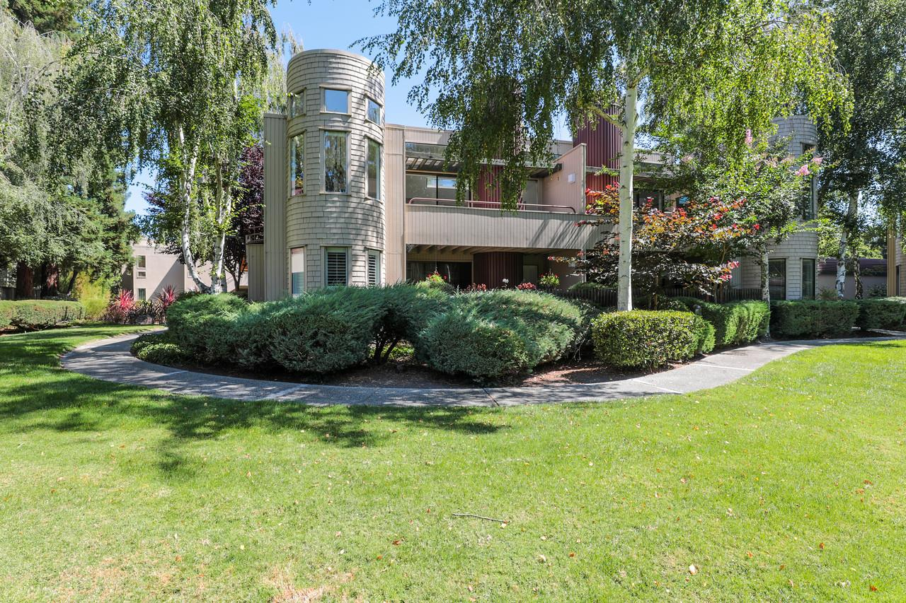 Detail Gallery Image 1 of 1 For 928 Wright Ave #602,  Mountain View,  CA 94043 - 3 Beds   2 Baths