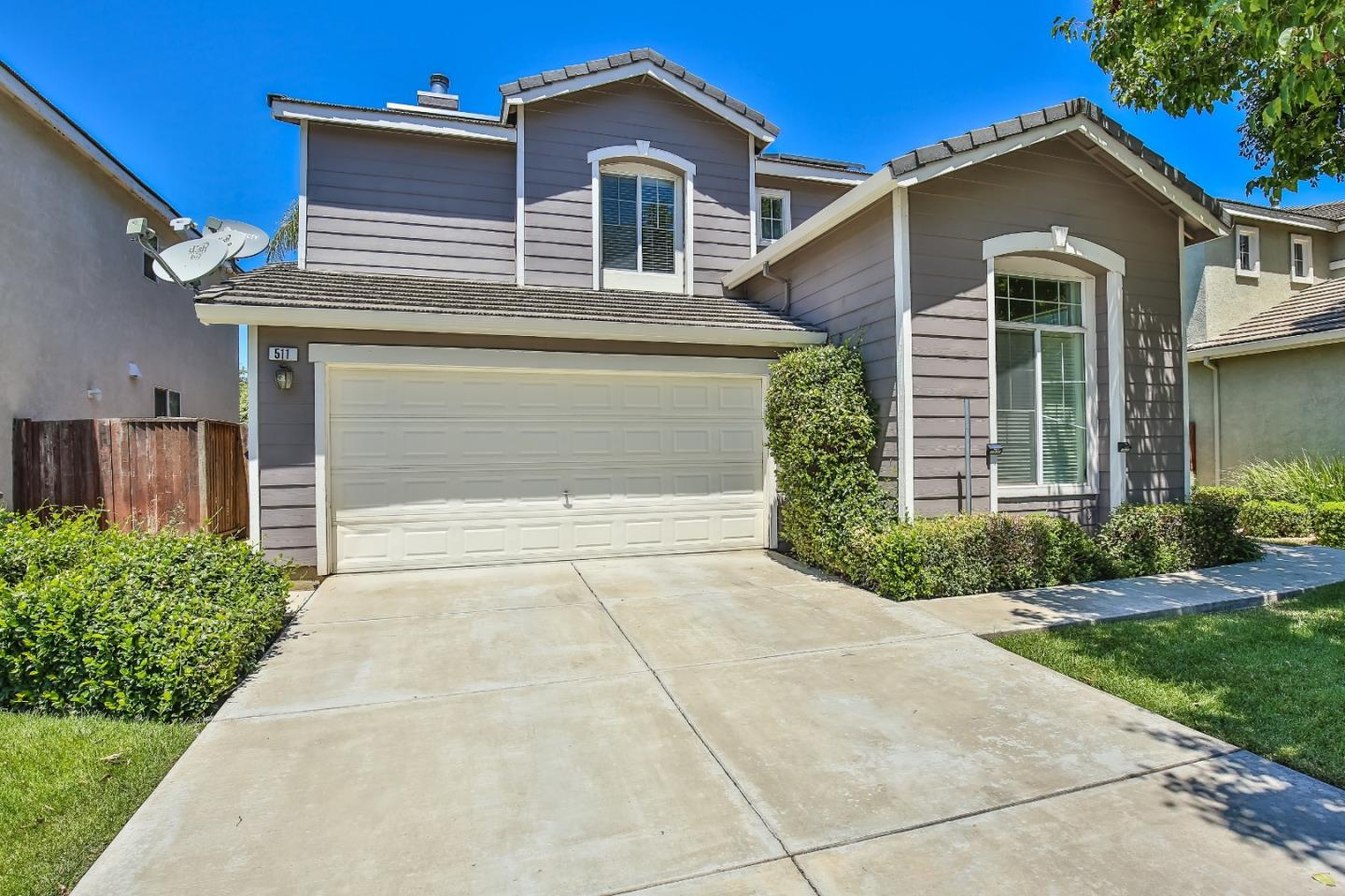 Detail Gallery Image 1 of 1 For 511 Tennis Ln, Tracy, CA 95376 - 4 Beds | 2/1 Baths