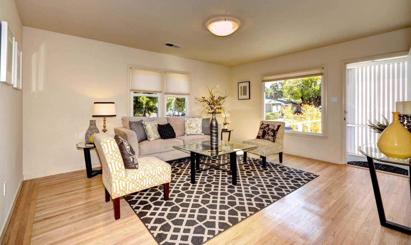 Detail Gallery Image 1 of 17 For 1102 Vera Ave, Redwood City, CA 94061 - 3 Beds | 1 Baths
