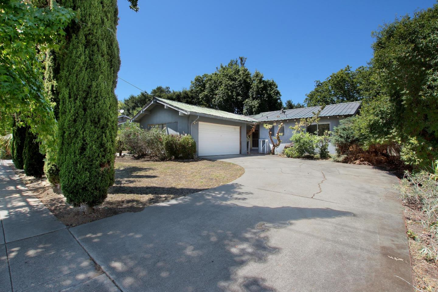 Detail Gallery Image 1 of 1 For 14741 Blossom Hill Rd, Los Gatos,  CA 95032 - 3 Beds   2 Baths