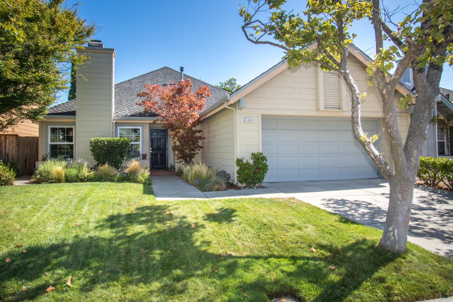 Detail Gallery Image 1 of 1 For 1404 Leeward Ln, Foster City, CA 94404 - 3 Beds | 2 Baths