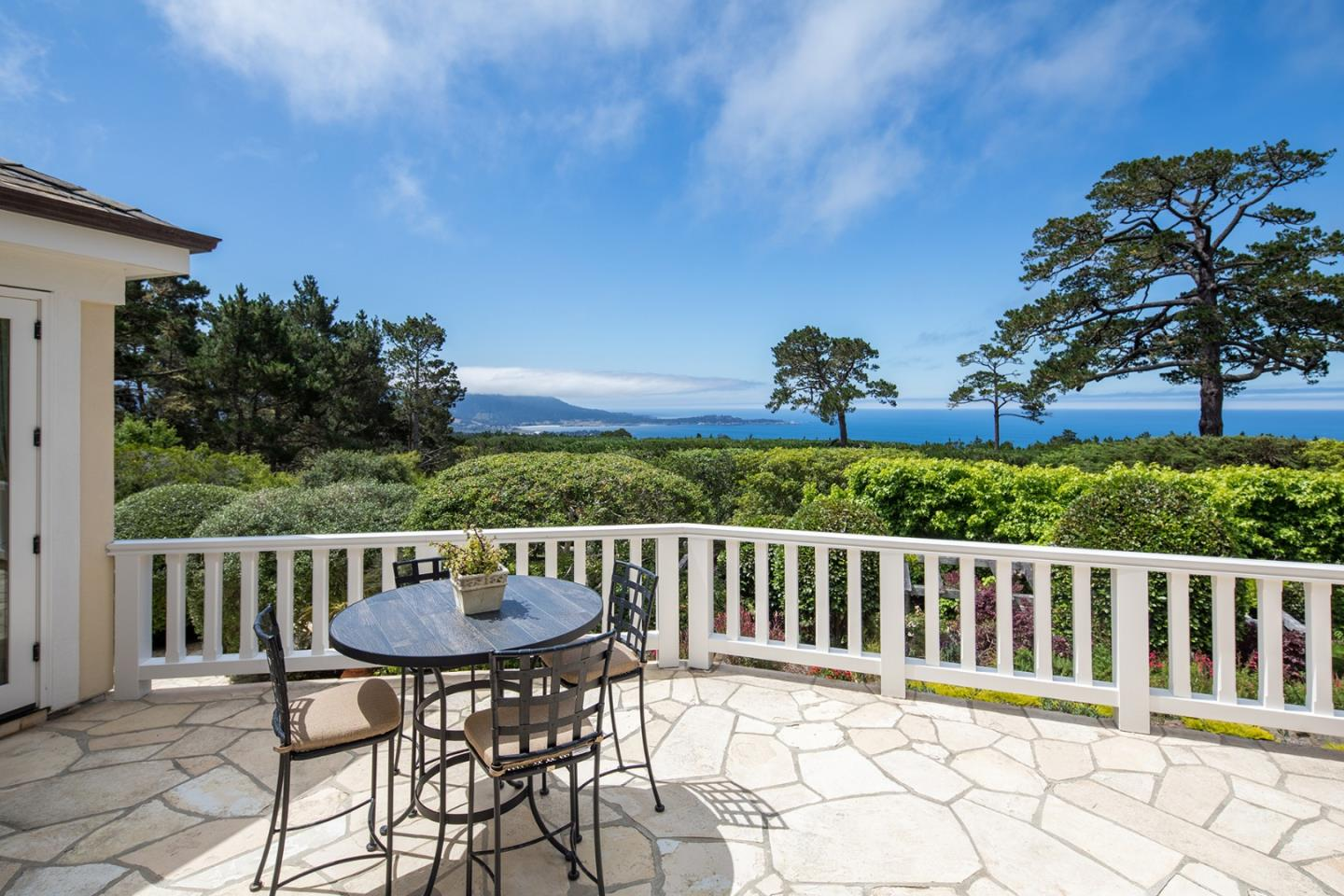 Detail Gallery Image 1 of 31 For 4038 Sunridge Rd, Pebble Beach, CA 93953 - 4 Beds   4/2 Baths