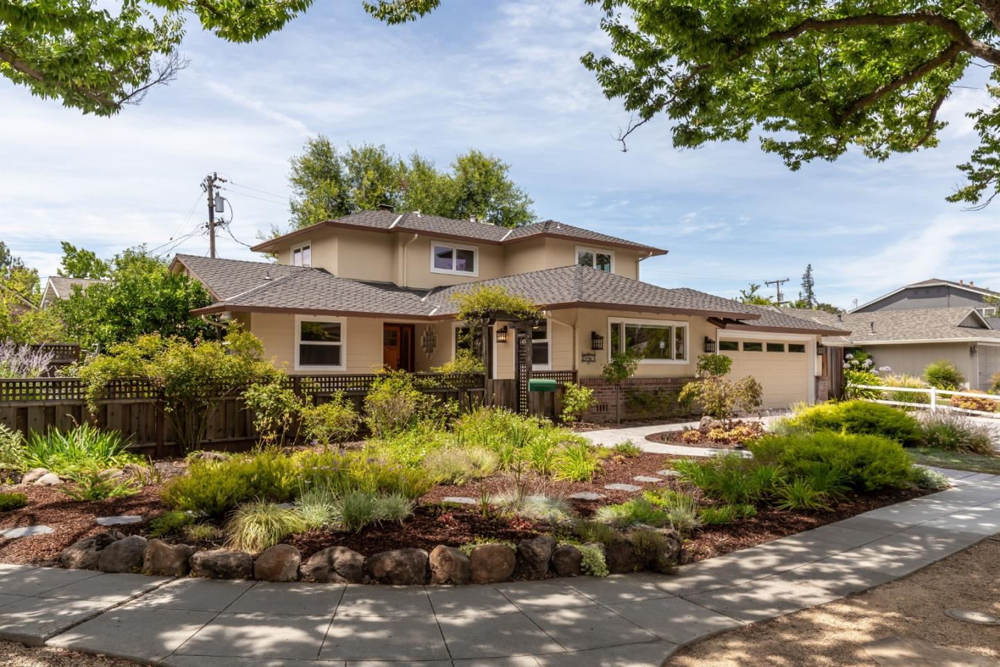 Detail Gallery Image 1 of 30 For 5085 Bel Canto Dr, San Jose, CA 95124 - 5 Beds   3 Baths
