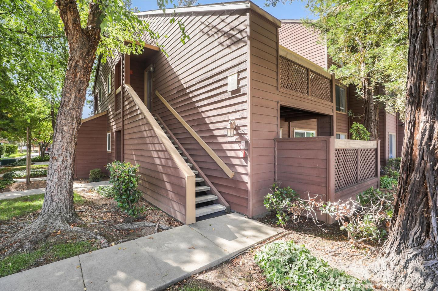 Detail Gallery Image 1 of 1 For 840 Catkin Ct, San Jose, CA 95128 - 1 Beds | 1 Baths