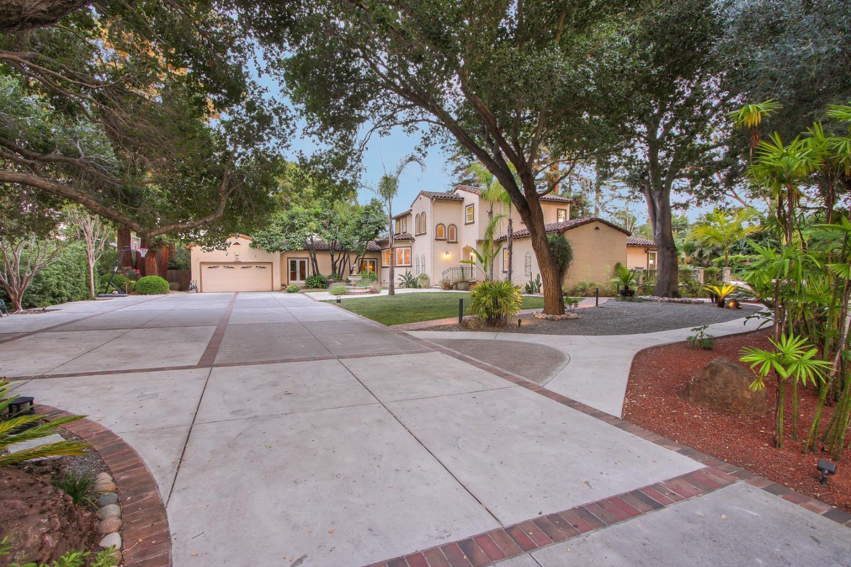 1255 Montclaire WAY Los Altos, CA 94024