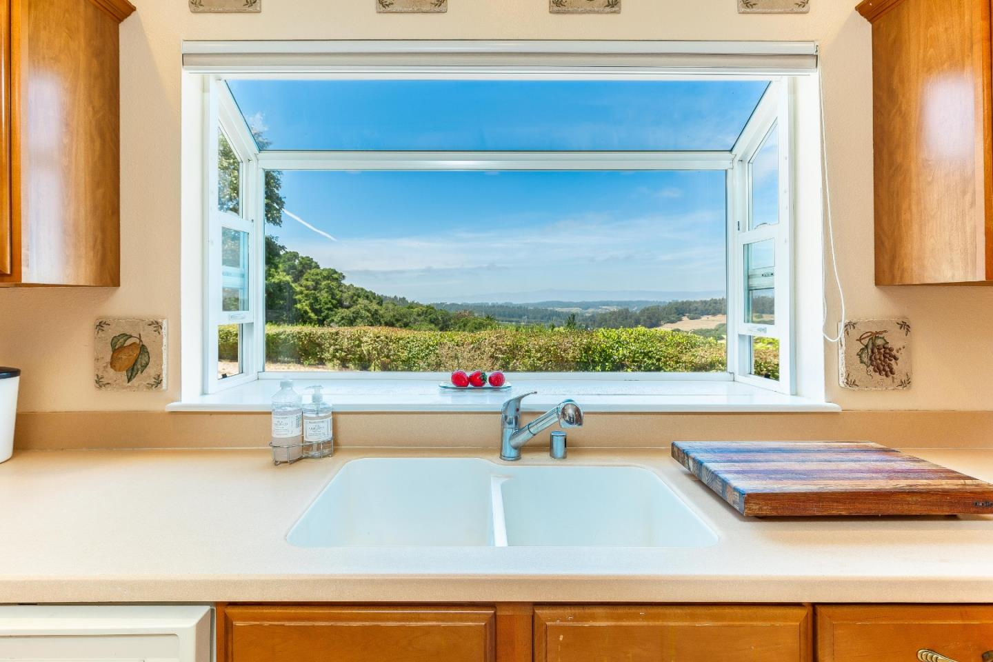 Detail Gallery Image 1 of 21 For 878 Strawberry Canyon Rd, Royal Oaks, CA 95076 - 3 Beds | 2 Baths