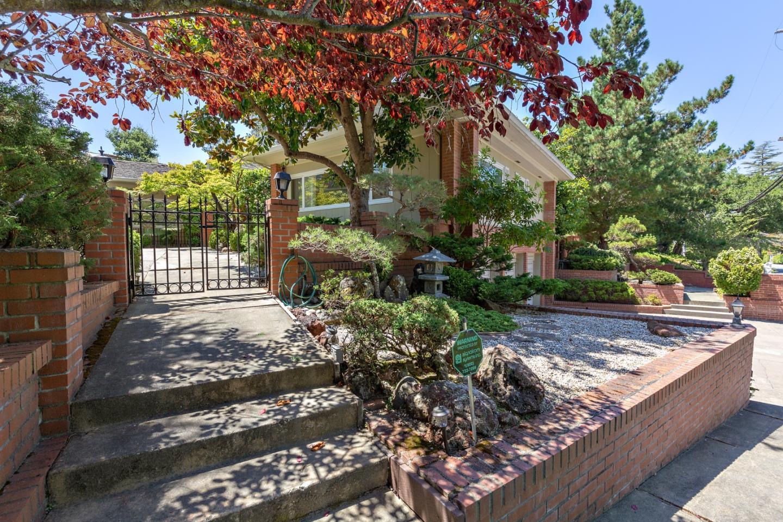 800 W Santa Inez AVE Hillsborough, CA 94010