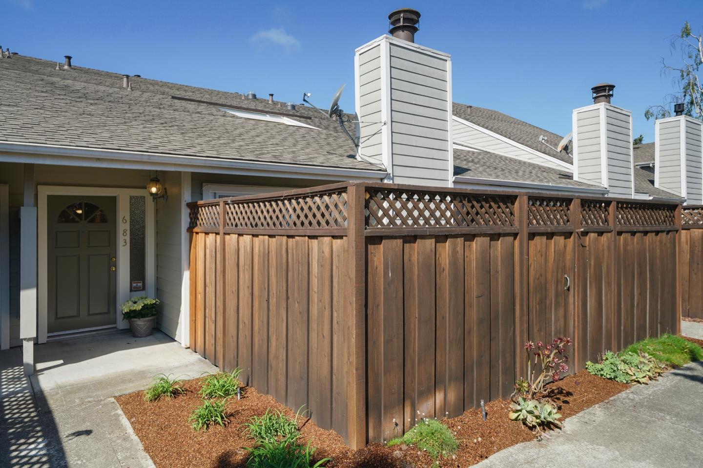 Detail Gallery Image 1 of 1 For 683 Beach Park Blvd, Foster City, CA 94404 - 3 Beds | 2/1 Baths
