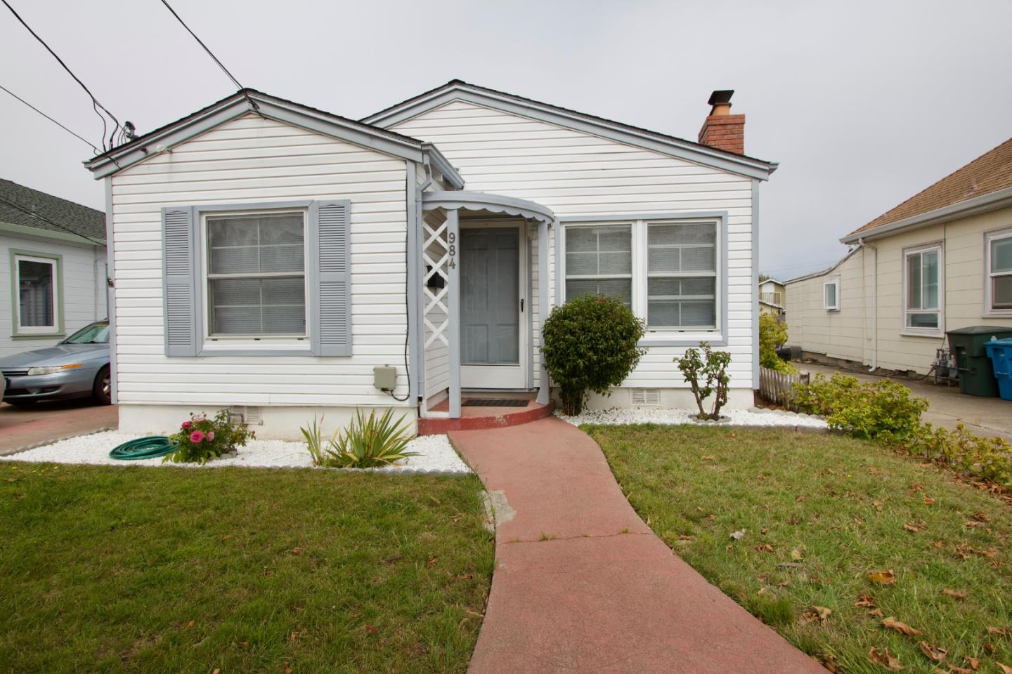 Detail Gallery Image 1 of 1 For 984 Masson Ave, San Bruno, CA 94066 - 3 Beds | 1 Baths