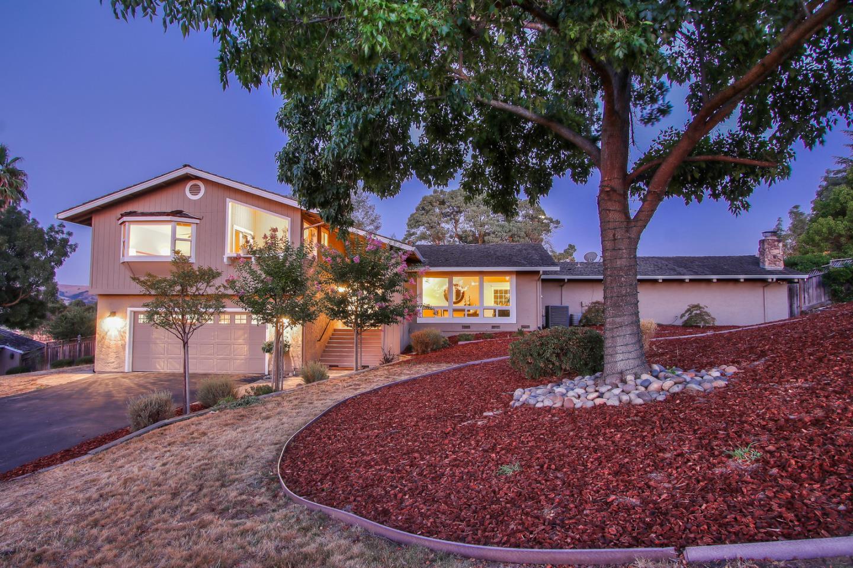 20425 Hunters Hill Road San Jose, CA 95120