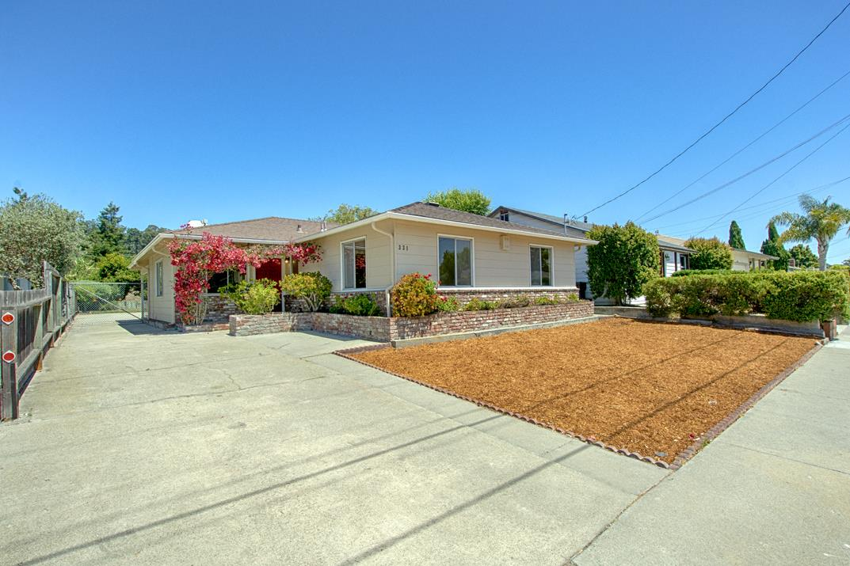 Detail Gallery Image 1 of 1 For 331 Fairmount Ave, Santa Cruz,  CA 95062 - 3 Beds | 2 Baths
