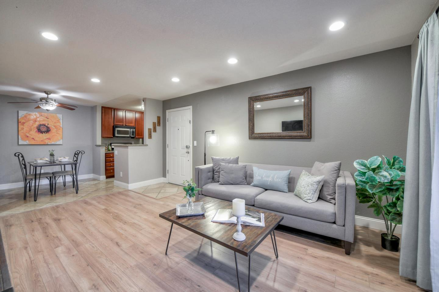 Detail Gallery Image 1 of 1 For 1177 Yarwood Ct, San Jose,  CA 95128 - 2 Beds   2 Baths