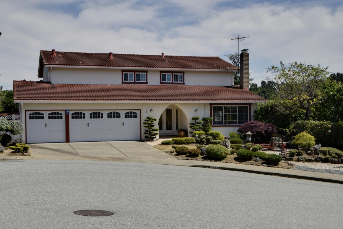 Detail Gallery Image 1 of 15 For 17 Parrott Ct, San Mateo, CA 94402 - 4 Beds | 2/1 Baths