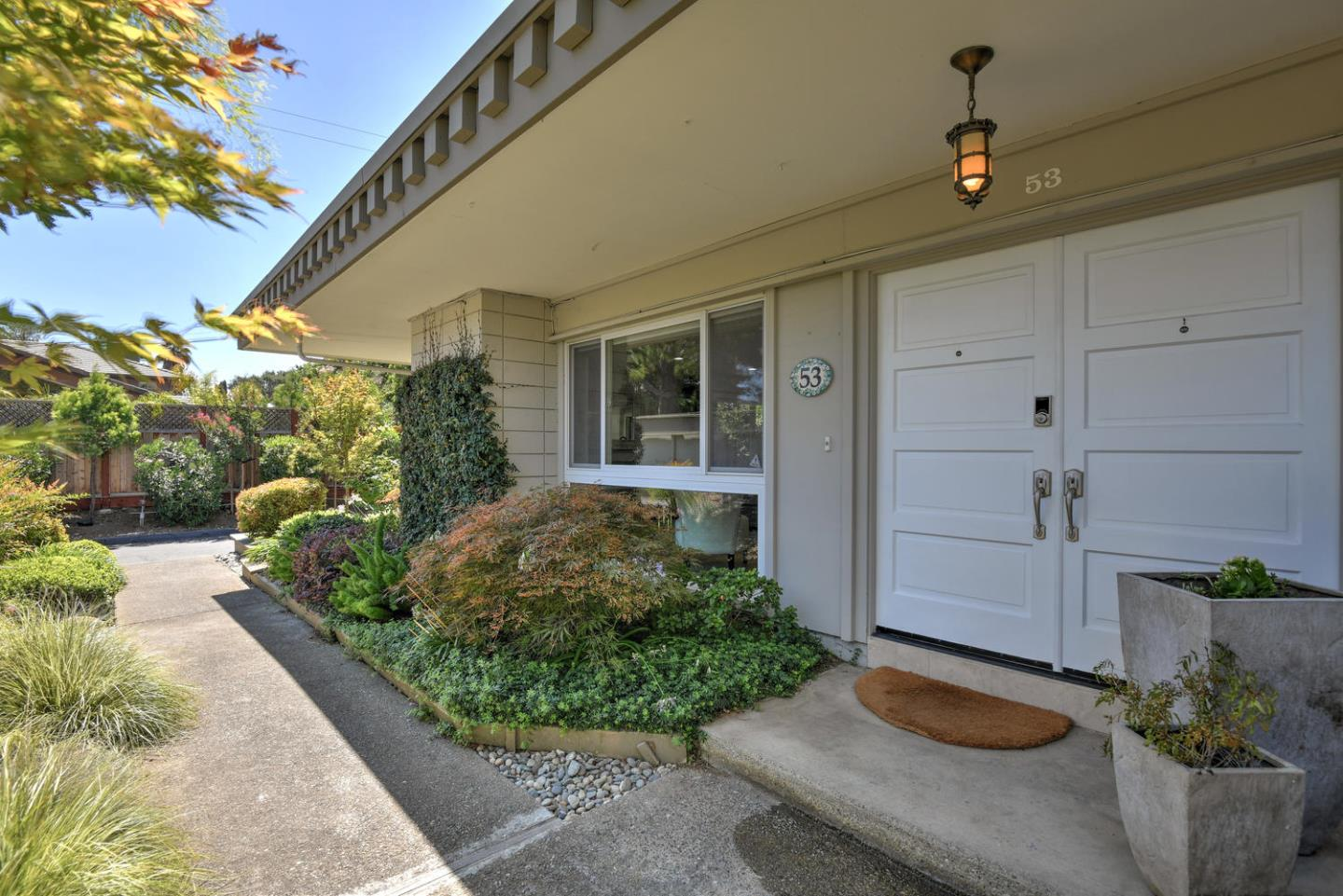 Detail Gallery Image 1 of 19 For 53 Los Altos Sq #53, Los Altos, CA 94022 - 2 Beds | 2 Baths