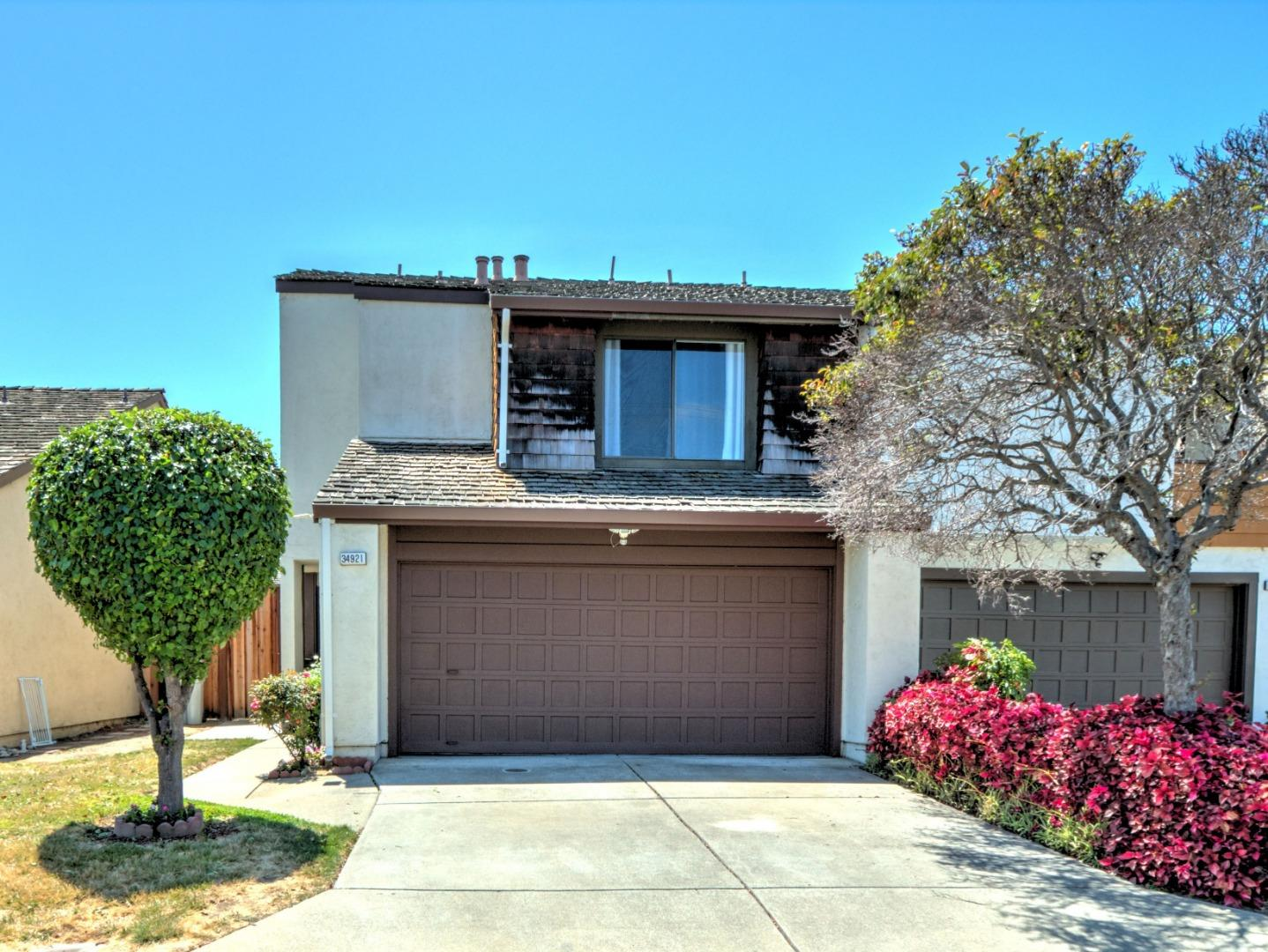 Detail Gallery Image 1 of 1 For 34921 Sea Cliff Ter, Fremont,  CA 94555 - 3 Beds | 2/1 Baths