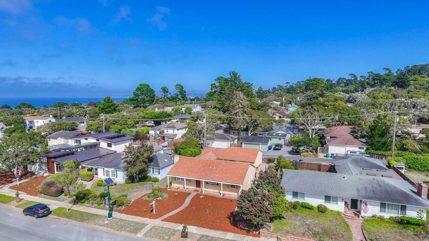 Detail Gallery Image 1 of 23 For 1017 Forest Ave, Pacific Grove, CA 93950 - 3 Beds | 2 Baths