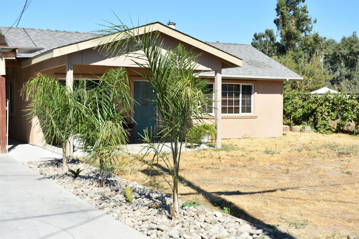 Detail Gallery Image 1 of 24 For 5319 Avenue C, Modesto, CA 95358 - 2 Beds | 1 Baths
