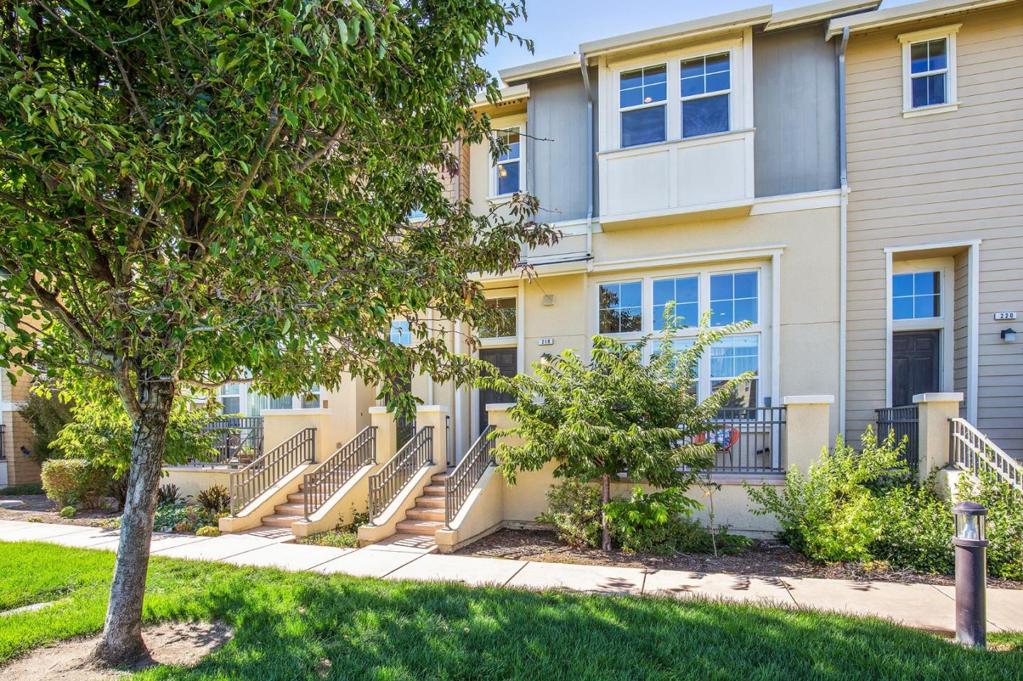 218 HARTSTENE DR, REDWOOD SHORES, CA 94065