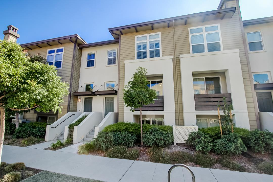 Detail Gallery Image 1 of 46 For 2883 Baze Rd, San Mateo, CA 94403 - 3 Beds | 3/1 Baths