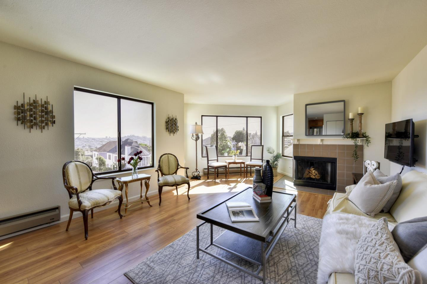 Detail Gallery Image 1 of 1 For 798 Monterey Blvd #3A, San Francisco, CA 94127 - 2 Beds | 2 Baths