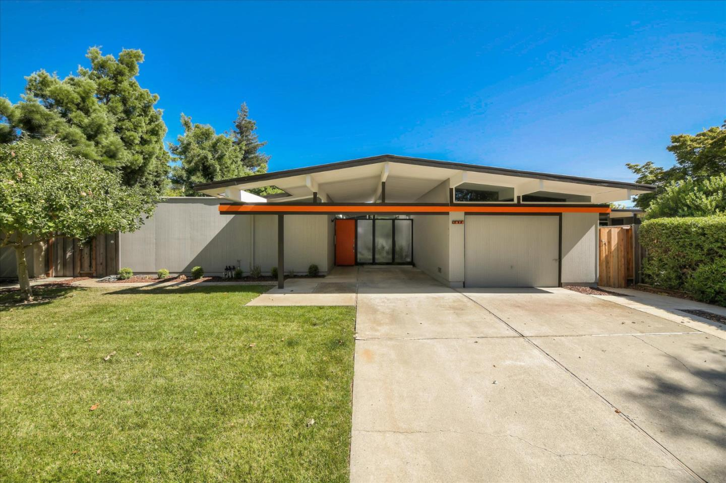 Detail Gallery Image 1 of 1 For 1672 Fairwood Ave, San Jose, CA 95125 - 4 Beds   2 Baths