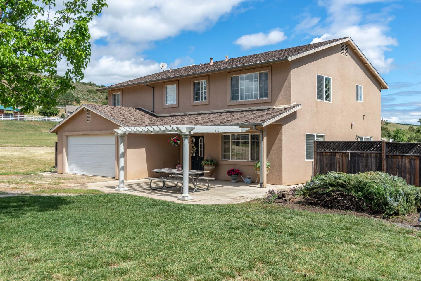 Detail Gallery Image 1 of 1 For 45163 Palomino Rd, King City, CA 93930 - 4 Beds | 2/1 Baths