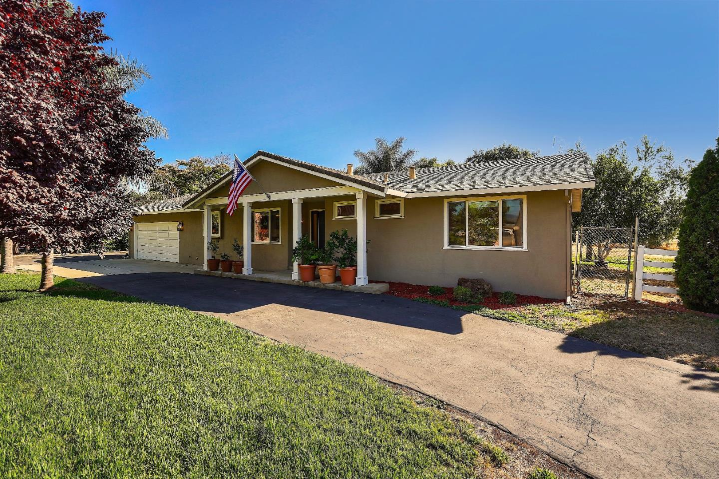 Detail Gallery Image 1 of 1 For 13090 Center Ave, San Martin, CA 95046 - 3 Beds | 2 Baths