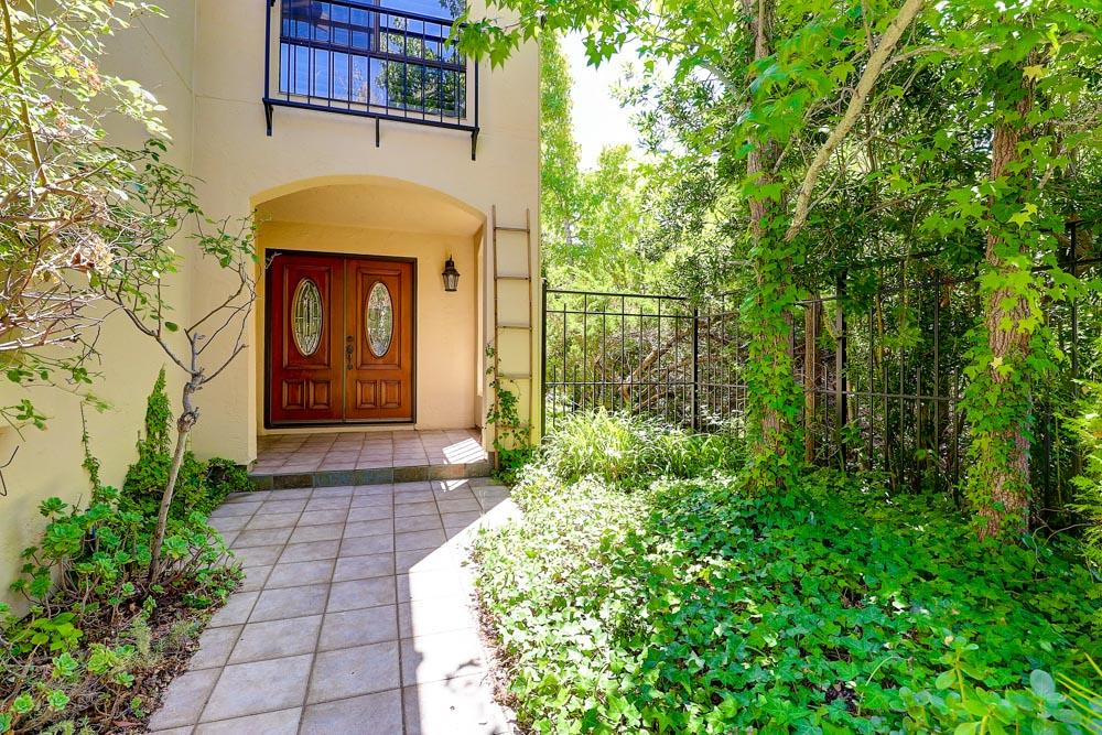 Detail Gallery Image 1 of 1 For 1109 Royal Ln, San Carlos,  CA 94070 - 3 Beds | 2/1 Baths