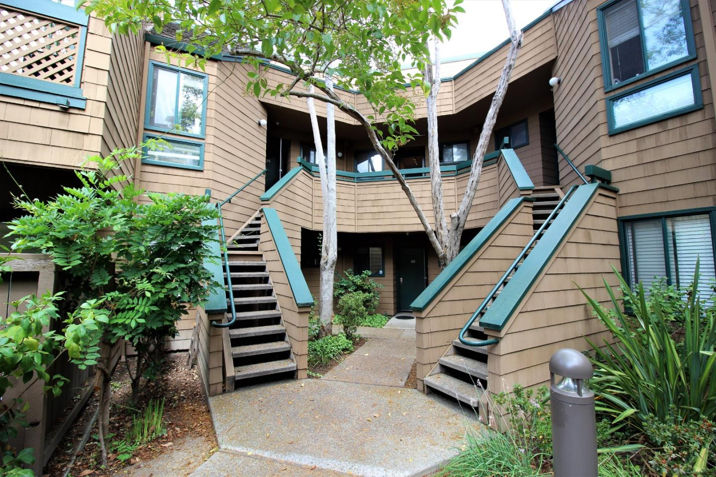 40 Pelican LN 62102, one of homes for sale in Redwood City