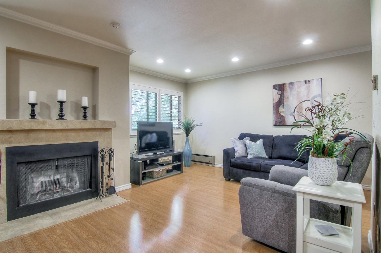 374 UNION AVE F, CAMPBELL, CA 95008