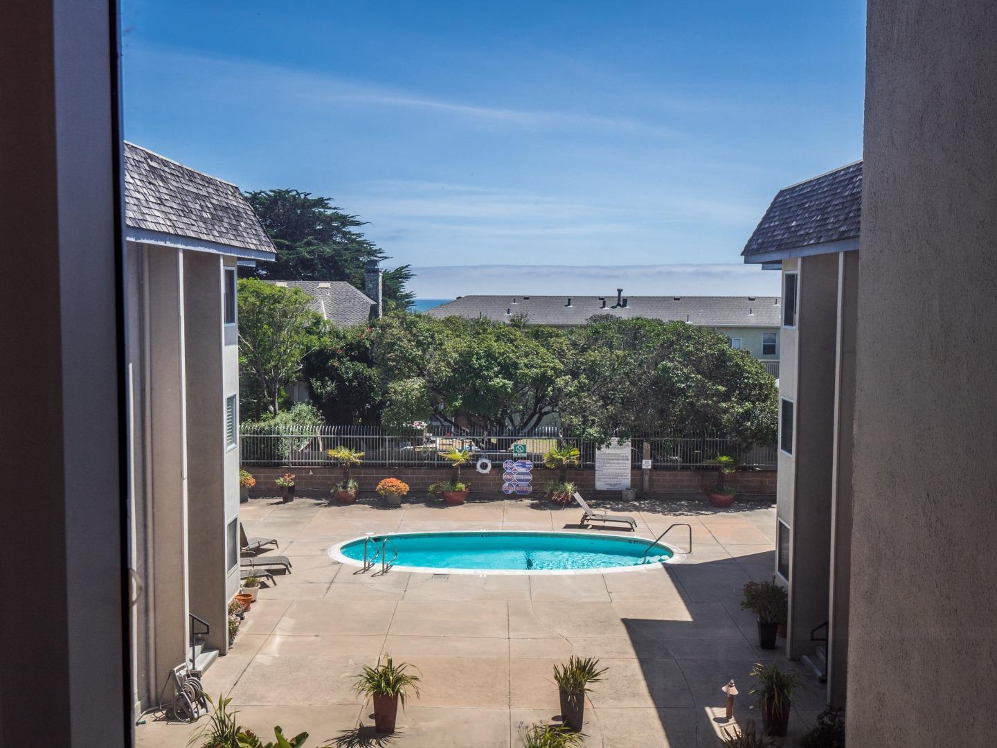 Detail Gallery Image 1 of 40 For 220 Atlantic Ave #307, Santa Cruz, CA 95062 - 1 Beds | 1 Baths