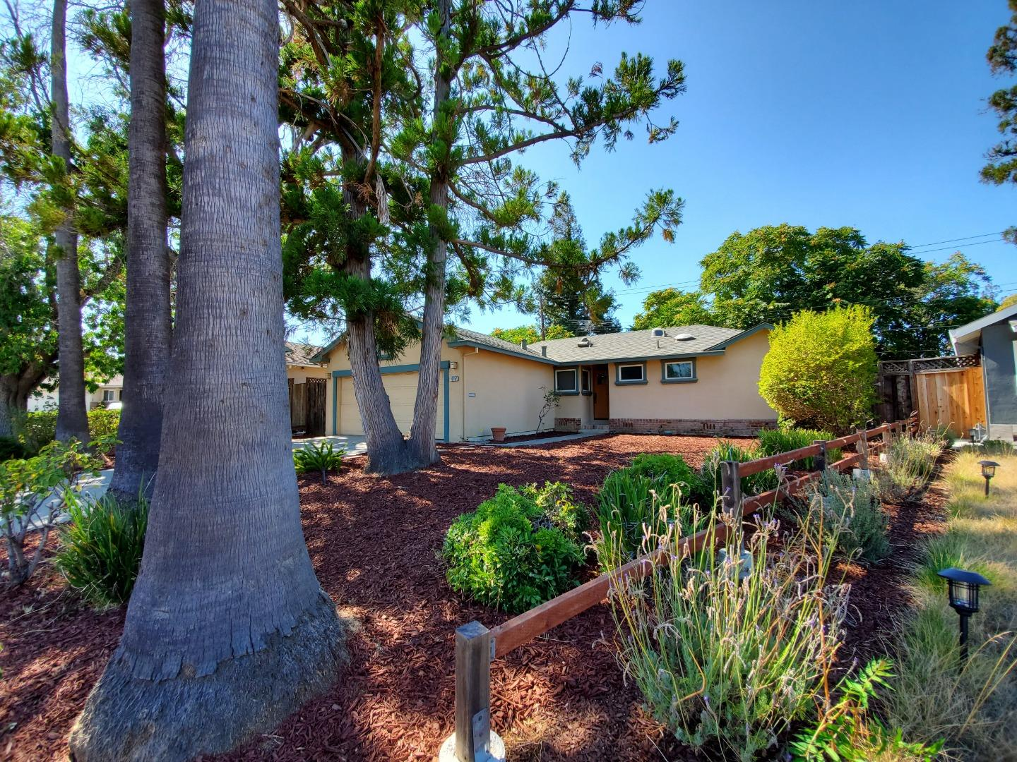Detail Gallery Image 1 of 1 For 10757 Brookwell Dr, Cupertino, CA 95014 - 3 Beds   2 Baths