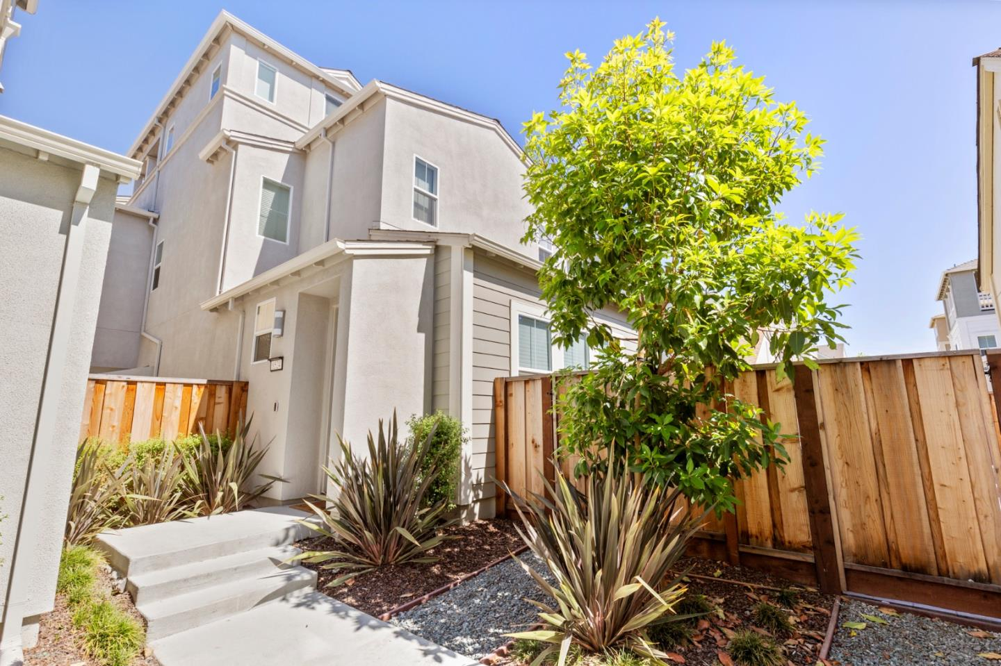 Detail Gallery Image 1 of 43 For 8524 Jetty Way, Newark, CA 94560 - 4 Beds   2/1 Baths
