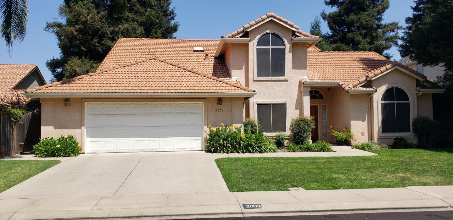Detail Gallery Image 1 of 1 For 2009 Canyon Lake Dr, Modesto,  CA 95355 - 4 Beds | 2/1 Baths