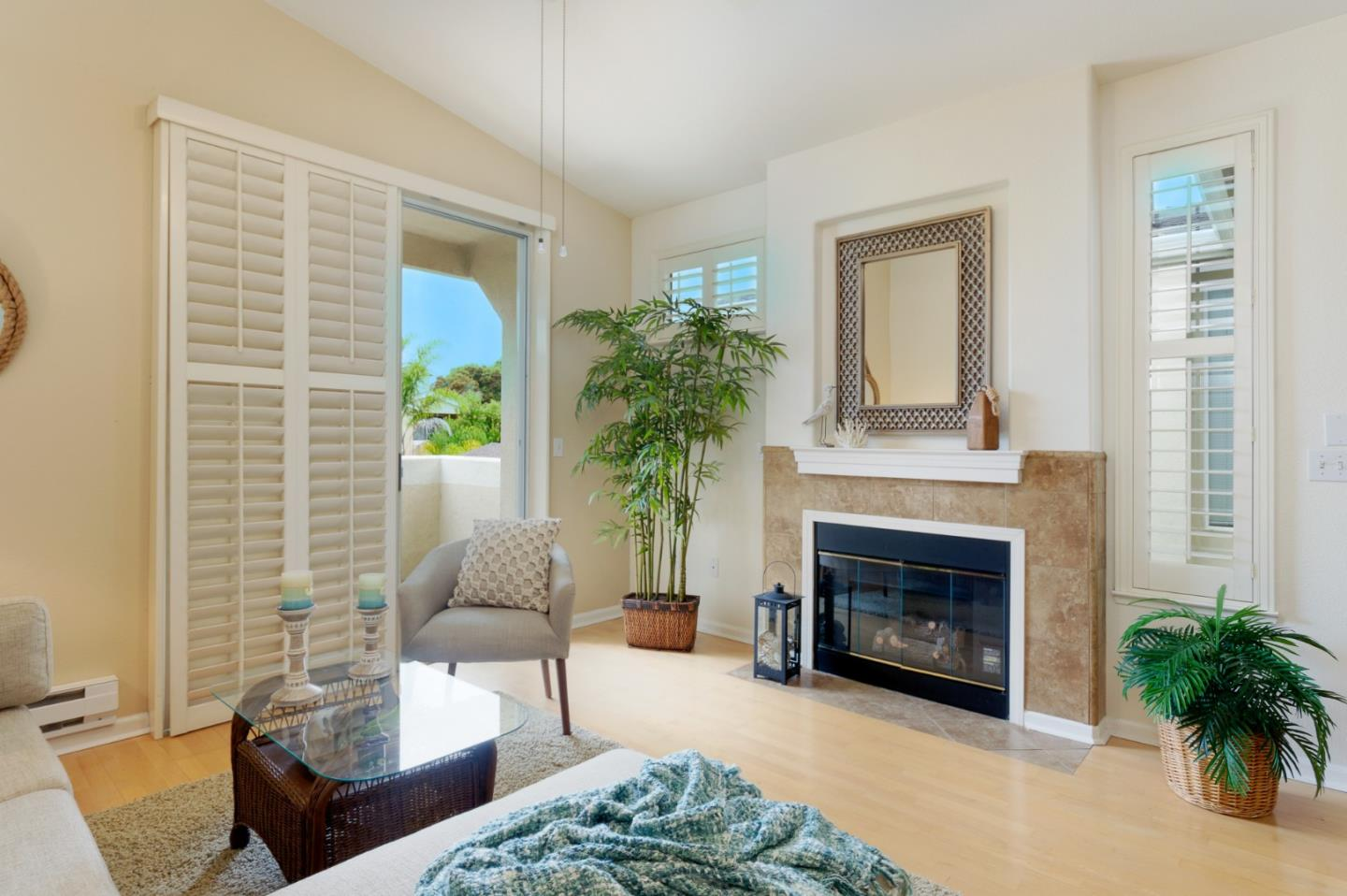 Detail Gallery Image 1 of 1 For 158 Everson Dr, Santa Cruz,  CA 95060 - 1 Beds   1 Baths
