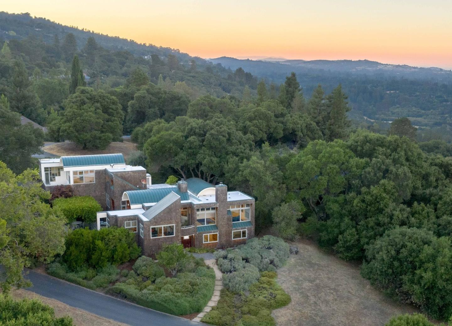 Detail Gallery Image 1 of 38 For 50 Hayfields Rd, Portola Valley, CA 94028 - 4 Beds | 3/1 Baths