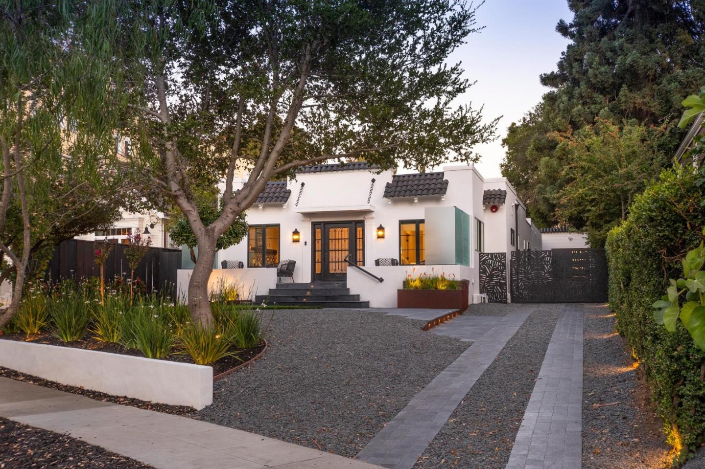 Detail Gallery Image 1 of 1 For 1515 Willow Ave, Burlingame, CA 94010 - 4 Beds | 3/1 Baths