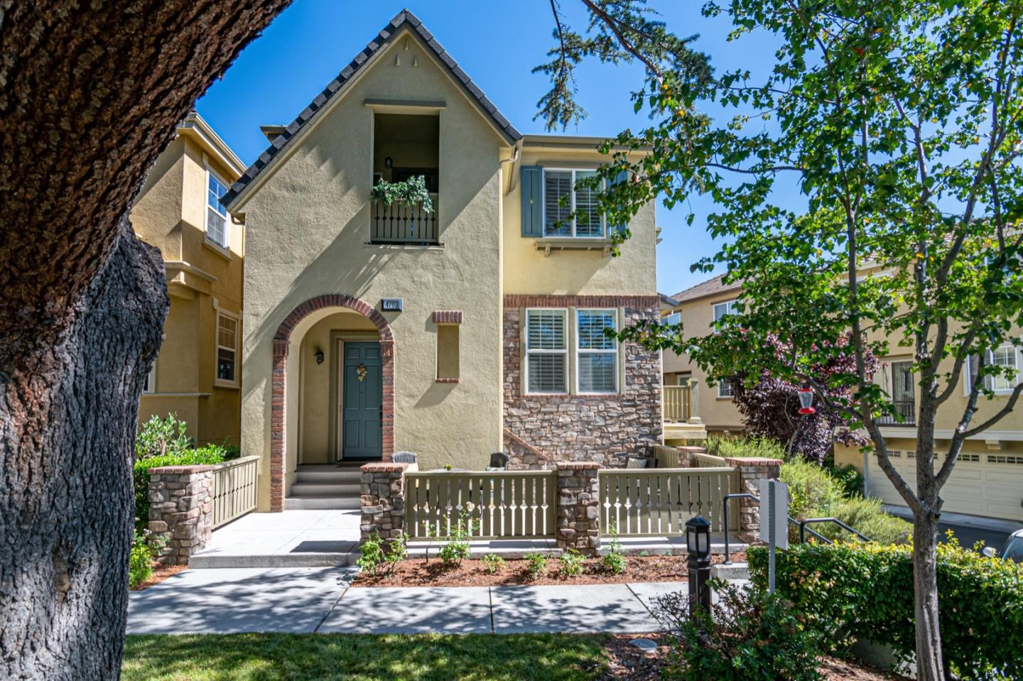 Detail Gallery Image 1 of 22 For 4703 Heathview Dr, San Jose, CA 95130 - 4 Beds   3 Baths