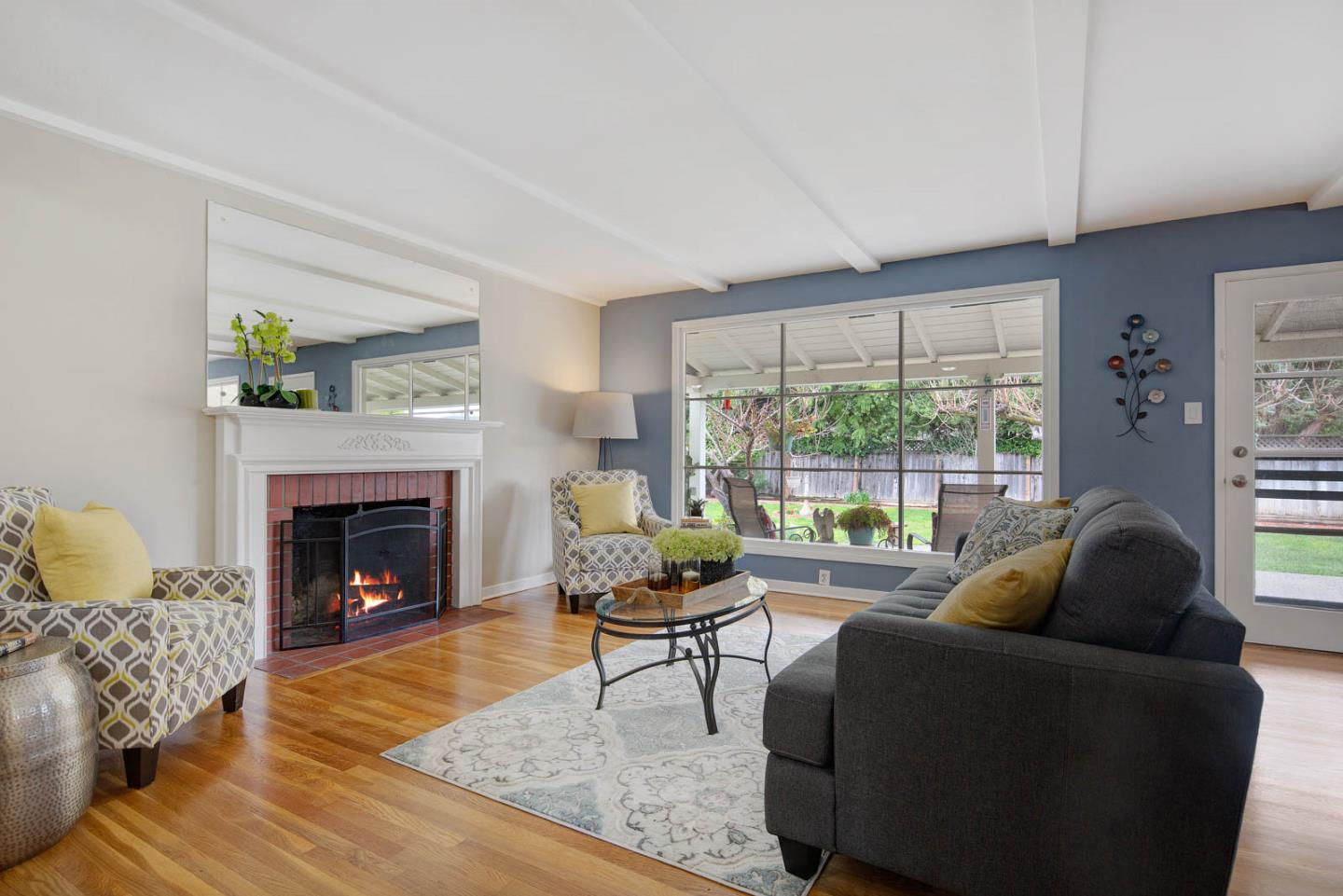 Detail Gallery Image 1 of 1 For 1885 Meridian Ave, San Jose,  CA 95125 - 2 Beds   2 Baths