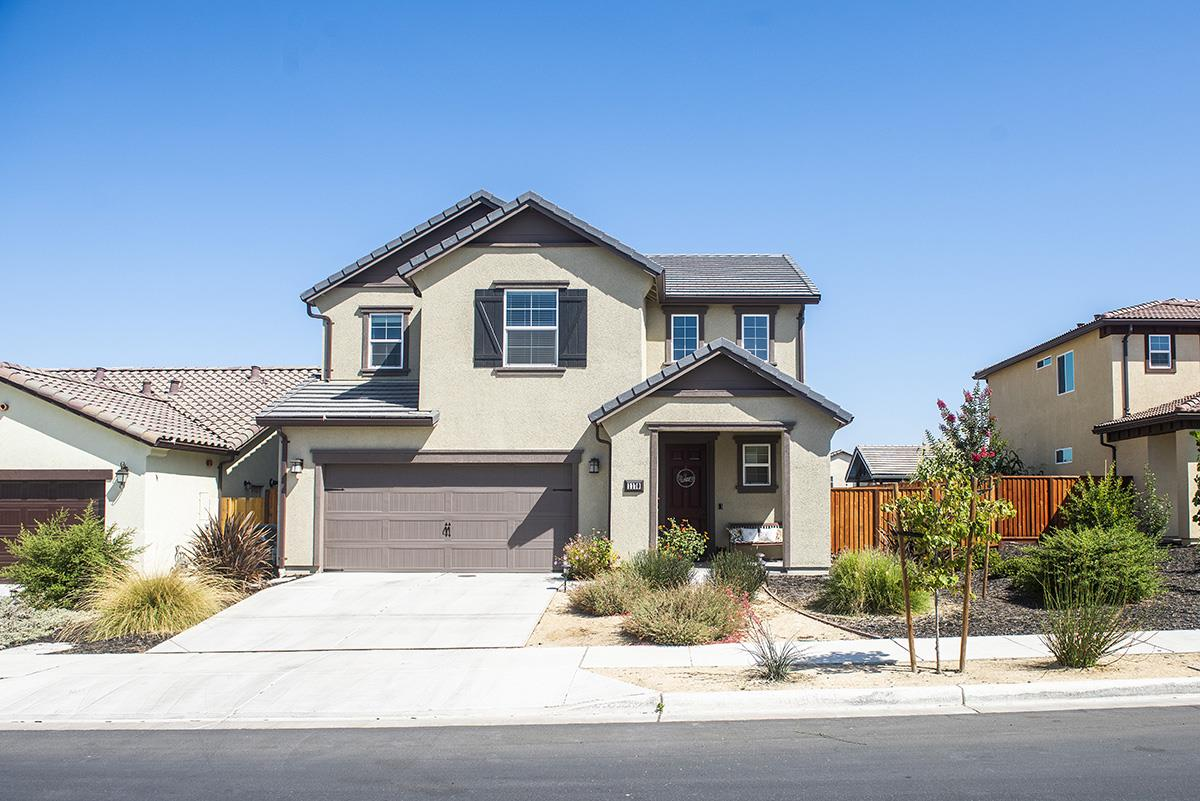Detail Gallery Image 1 of 1 For 1170 Lucero Dr, Hollister,  CA 95023 - 4 Beds   2/1 Baths
