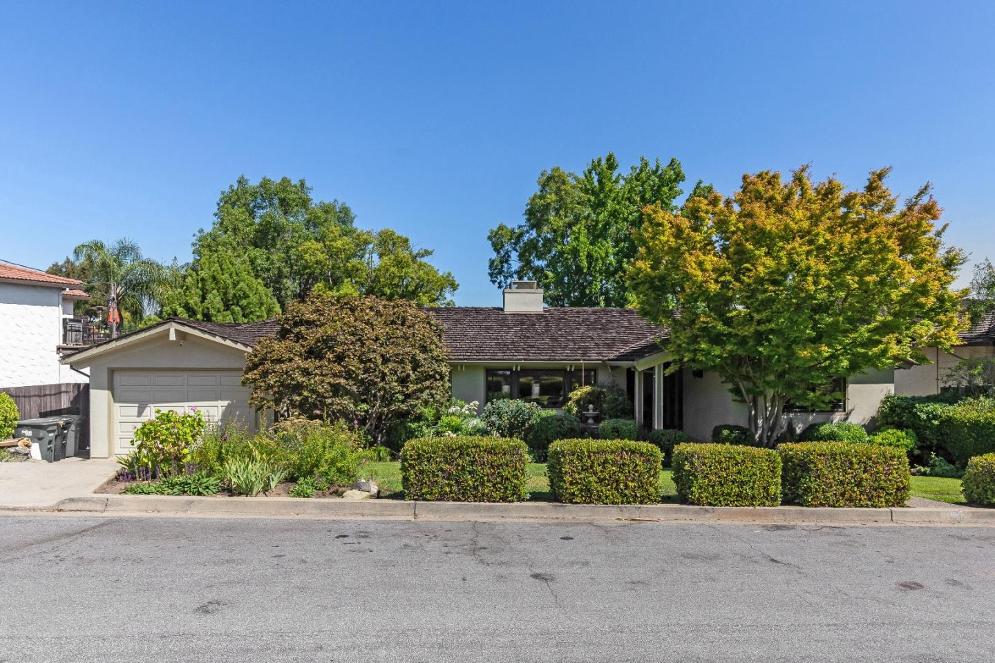 816 MOHICAN WAY, REDWOOD CITY, CA 94062 – DeLeon Realty