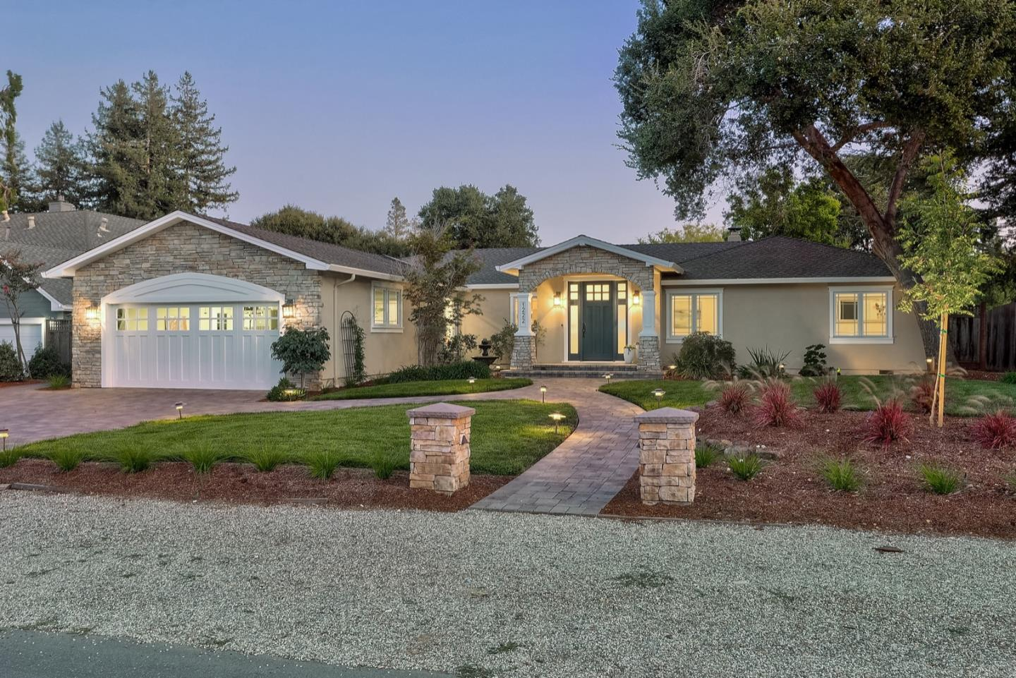 Detail Gallery Image 1 of 18 For 1222 Richardson Ave, Los Altos, CA 94024 - 5 Beds | 2/1 Baths