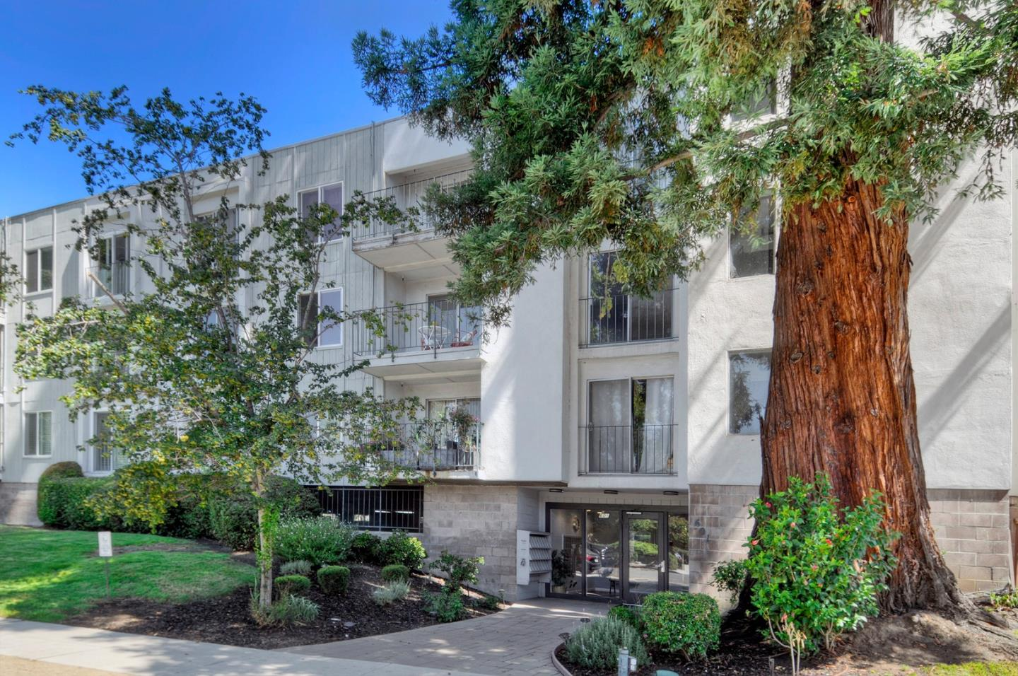 Detail Gallery Image 1 of 1 For 601 Leahy St #205, Redwood City, CA 94061 - 3 Beds | 2 Baths