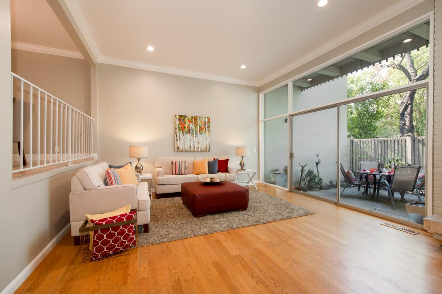 Detail Gallery Image 1 of 1 For 652 Leahy St, Redwood City, CA 94061 - 3 Beds | 2/1 Baths